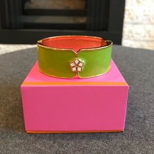🌸 Banana Republic Trina Turk Bangle 🌸